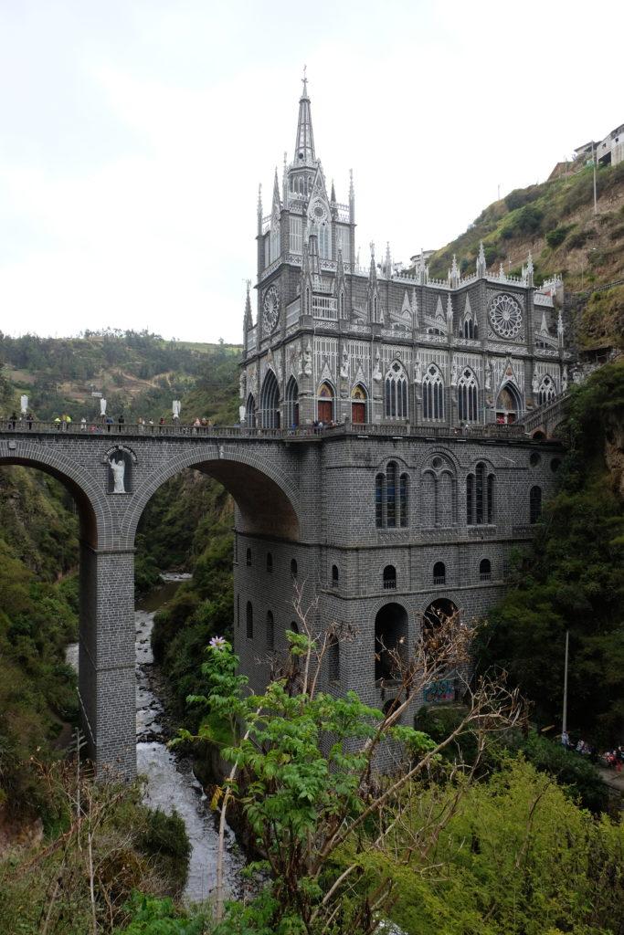 ...with impressive architecture:Santuario de las Lajas